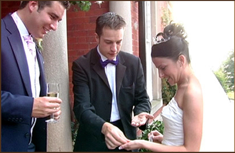 Having close-up magic at your wedding reception is the Want to